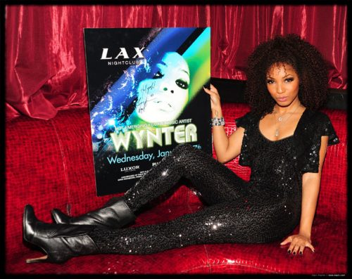 Wynter Gordon at LAX